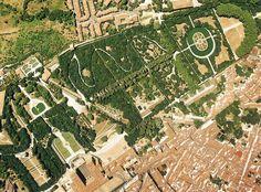 Vduta aerea del Giardino di Boboli oggi che mostra l'ampliamento verso Porta Romana attuato nel XVII secolo