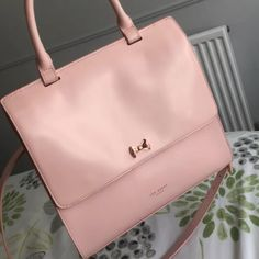 b5ba8ea172b Genuine Pink ted baker handbag Rrp £180Amazing quality bag and has multiple  compartments to fit. Depop