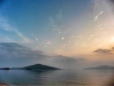 ( Morning Now at Hakata bay in Japan ) 25 Jun. 5:24 日の出近づく博多湾。 北の空から晴れてきました。
