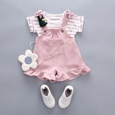 Check out my new Cute Striped Top and Ruffle-cuffs Overalls for Baby Girl, snagged at a crazy discounted price with the PatPat app. Baby Clothes Patterns, Cute Baby Clothes, Baby & Toddler Clothing, Toddler Outfits, Kids Outfits, Girl Clothing, Summer Clothing, Clothing Stores, Cute Baby Girl Costumes