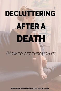 As incredibly painful as it is to lose someone close to you it's a whole different kind of pain to let go of their belongings. Understand how to get through it without regrets when decluttering after a death. When Someone Dies, Losing Someone, Funeral Planning Checklist, Planners, Grand Menage, Emergency Binder, Family Emergency, Emergency Preparedness, Survival