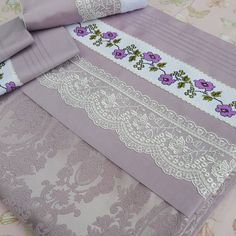 No photo description available. Home Curtains, Linen Towels, Heirloom Sewing, Bed Sheets, Diy And Crafts, Cross Stitch, Room Decor, Quilts, Handmade
