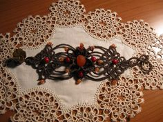 Free tatting pattern Beaded Bracelet in Brown by Anna Spina
