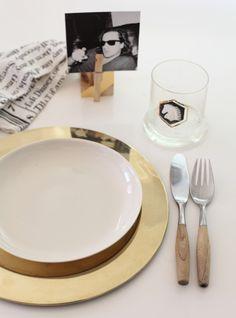 Para marcar lugares à mesa com bom humor