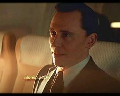 Thor 1, Loki Marvel, Marvel Fan, Tom Hiddleston Movies, Tom Hiddleston Loki, Loki Movie, Funny Marvel Memes, Marvel Films, Loki Laufeyson