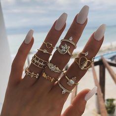 Shared by ⓚⓐⓗ. Find images and videos about fashion, beautiful and nails on We Heart It - the app to get lost in what you love. Nail Jewelry, Jewelry Rings, Jewelery, Jewelry Accessories, Fashion Rings, Fashion Jewelry, Women Jewelry, Stylish Jewelry, Nail Polish