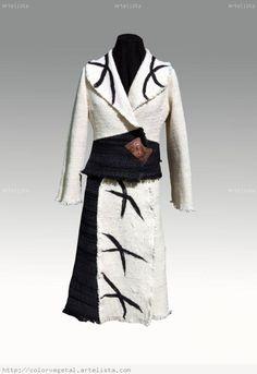 VESTUARIO TELAR MAPUCHE Moda Chic, Textiles, Weaving Art, Nuno Felting, Duster Coat, Artisan, Kimono Top, Design Inspiration, Boho