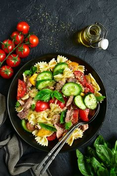 Cucumber how to cook it? 40 recipes with cucumber as this salad … No Salt Recipes, Cooking Recipes, Healthy Recipes, Healthy Food, Berry, Cucumber Recipes, Creative Food, Food For Thought, Pasta Salad