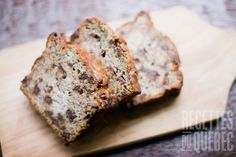 This chocolate chip banana bread puts a naughty twist on a traditional dish, making it great for breakfasts or as an afterschool snack for the kids Chocolate Chip Banana Bread, Chocolate Chip Recipes, Banana Bread Recipes, Dark Chocolate Chips, Best Chocolate, Delicious Chocolate, Choco Chips, Banana Nut, Whole Wheat Banana Bread