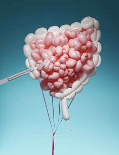 Kerry Hughes, an artist in London, recently experimented with balloon art in a short series called Pneumatic Anatomy. Floating balloons would make good organ replacements, don't you think? Still Photography, Creative Photography, Medical Art, Medical School, Anatomy And Physiology, Anatomy Organs, Diy Halloween Decorations, Halloween Party, Balloons