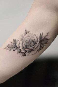 Feed Your Ink Addiction With 50 Of The Most Beautiful Rose Tattoo Designs For Men And Women - awesome black & gray rose tattoo © tattoo artist Dragon Art NYC 💖🌹💖🌹💖🌹💖 - Black And White Rose Tattoo, White Rose Tattoos, Rose Tattoos For Women, Black Tattoos, Weird Tattoos, Cute Tattoos, Body Art Tattoos, Sleeve Tattoos, Tattoos For Guys