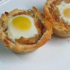 Cestinhos de alheira com ovo de codorniz