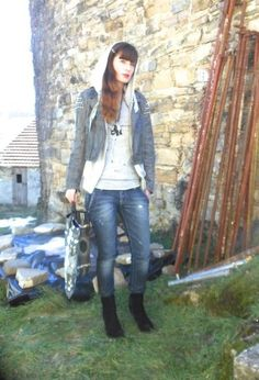 T SHIRT AND STUDDS  , VINTAGE in Jackets, Purple Sartorial denim in Jeans, Prove D\'Autore in T Shirts, Leitmotiv in Bags