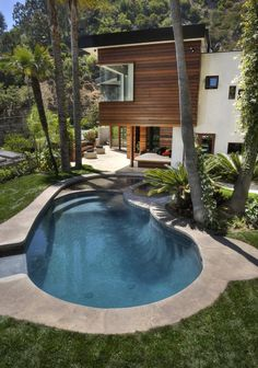 #Hollywood Hills #Residence > This West Hollywood residence is located in the hills above Sunset Boulevard with 180 degree views of Hollywood, Beverly Hills and Brentwood below.
