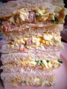 Sandwichs végétariens à l'œuf et au curry Vegetarian Egg and Curry Sandwich Sándwiches vegetarianos con huevo y curry