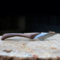 How to Make Stylish Kiridashi/Utility Knife: I'm not a huge knife enthusiast but couple months ago I tried making my first knife. That was a very interesting and quite simple project. Woodworking Inspiration, Woodworking Tips, Woodworking School, Woodworking Equipment, Garage Atelier, Trench Knife, Tool Bench, Metal Welding, Best Pocket Knife