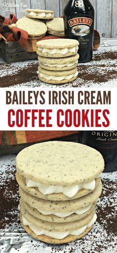 These Baileys Irish cream coffee cookies are delicious. Inside these cookies are Baileys coffee, sweet cream, vanilla and cinnamon. Plus, an Irish cream filling in the middle. Delicious Cookie Recipes, Best Cookie Recipes, Yummy Cookies, Dessert Recipes, Cake Cookies, Cream Cookies, Filled Cookies, Cupcakes, Drop Cookies