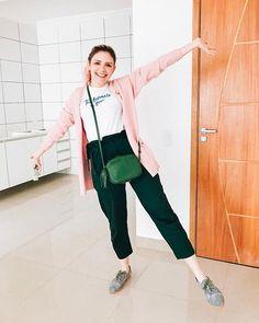 Animada demais com essa nova fase e casinha  To MUITO feliz que finalmente tenho cozinha  vou tentar compartilhar mais da mudança e decoração com vocês Instagram Blog, Normcore, Clothes, Style, Fashion, Finals, Happy, Kitchen, Outfits