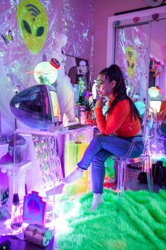 vaporwave bedroom whats your fantasy im your cyber fairy - alexwallbaum: At Marina Finis studio in. Neon Bedroom, Bedroom Inspo, Bedroom Decor, Neon Aesthetic, Aesthetic Room Decor, Games Design, Space Grunge, Grunge Room, Room Goals