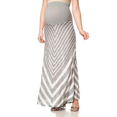 #Maternity clothing for the #summer, including pretty #skirts http://www.cefashion.net/skirts-to-live-in-when-youre-expecting #pregnancy #fashion #fbloggers