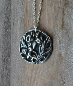 Daffodil fine silver oxidized pendant by ALMrozarka on Etsy Handmade Jewelry, Unique Jewelry, Handmade Gifts, Handmade Silver, National Flower Of Wales, Sterling Silver Necklaces, Silver Jewelry, Unique Gifts, Pendant Necklace