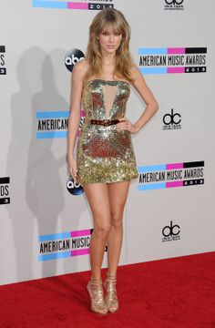 Taylor Swift Gold dress stills at 2013 American Music Awards