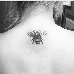 Beautiful bumble bee tattoo - Pinterest lxurens #tattoo #bumblebee #blackandwhite