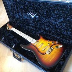 This is one of the 10 existing Ukrainian Strats by Yuriy Shishkov. All 10 strats build by post-Soviet luthier Yuriy Shishkov, one of the best of Fender Custom Strat Guitar, Fender Guitars, Fender Custom Shop Stratocaster, Pickup Covers, Taylor Guitars, Fender Deluxe, Gibson Sg, Guitar Painting, Body Top