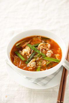 あさりのうま味のきいたピリ辛スープです。