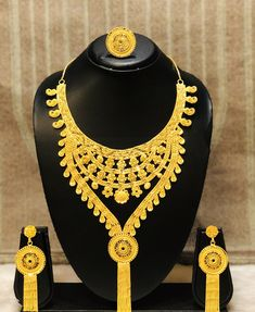 - The best company for African Clothing Gram gold jewelry offer runing Bridal Jewelry, Gold Jewelry, Jewelry Necklaces, Women Jewelry, Gold Earrings, Crystal Necklace, Necklace Set, Gold Necklace, African Necklace