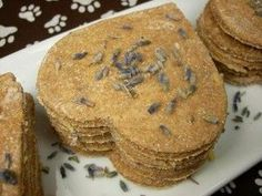 Weekly Drool Recipe: Lemon-Lavender Biscuits to calm your dog or just spoil him! (courtesy Doggy Dessert Chef) #homemadedogtreats #homemade #dogtreats #allnatural