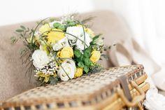 Lyse-Kong-photographe-mariage La Mariée en Colère - Galerie d'inspiration, bouquet mariée, mariage, wedding, bride, flowers, fleurs, bouquet de mariée, www.lamarieeencolere.com