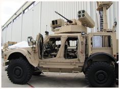 JLTV with cannon and quad Javelin launcher Bradley Fighting Vehicle, Armored Fighting Vehicle, Military Jets, Military Weapons, Army Vehicles, Armored Vehicles, Oshkosh Jltv, Bug Out Vehicle, Vehicle Wraps