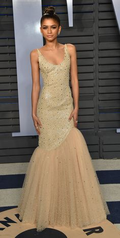 Zendaya in Michael Kors attends the 2018 Vanity Fair Oscar Party. #bestdressed
