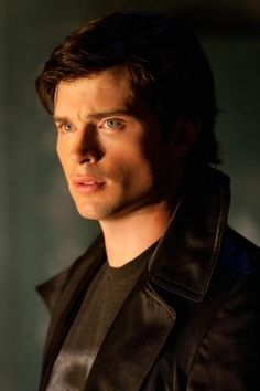Tom Welling. Concern. Conflict. And, if I'm not mistaken, a chiseled jawline...