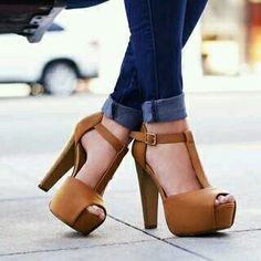 Very Cute Summer Shoes. These Shoes Will Look Good With Any Outfit. The Best of sandals in - New Shoes Styles & Design Dream Shoes, Crazy Shoes, Me Too Shoes, Hot Shoes, Women's Shoes, Shoe Boots, Pump Shoes, Pretty Shoes, Beautiful Shoes