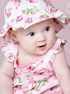 Cute girl babies wallpapers very cute cute babies childs con frutillitas philipsavent facebookphilipsaventargentina altavistaventures Images