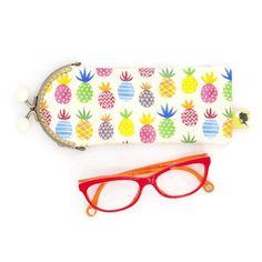 Etui lunette original, illustré d'ananas, fait-main avec fermoir clip en métal, cadeau pour femme, pour la fete des meres, 8x19 cm Clip, Sunglasses Case, Etsy, Crayons, Motifs, Parfait, France, Style, Handmade