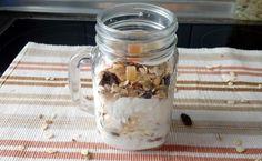 Desayuno ligero Mason Jars, Mugs, Tableware, Recipes, Dinnerware, Tumblers, Tablewares, Mason Jar, Mug