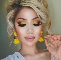 maquillaje de ojos color amarillo