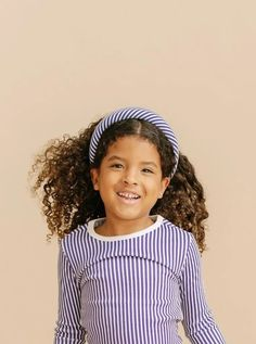 A good hair day, every day! Our lightly padded headbands are crafted in our classic 100% cotton oxford fabric. Sized to fit ages 2-92.