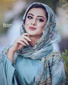 Miracle it happens Beautiful Muslim Women, Beautiful Hijab, Beautiful Girl Photo, Cute Girl Photo, Beauty Full Girl, Beauty Women, Jli Kurdi, Wedding Hijab Styles, Arabian Women