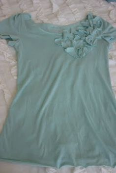T-shirt Refashion with ruffles: For @Nancy Howell.  This looks just like our shirts from LOFT.