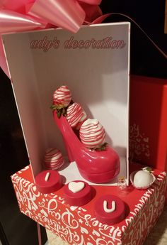 Balloon Ideas, Chocolate Strawberries, Dessert Recipes, Desserts, Baskets, Valentines Day, Balloons, Strawberry, Treats