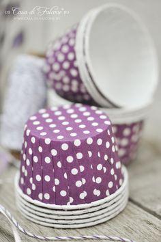 Lila Partyartikel   Casa di Falcone Food Packaging, Box, Cupcake, Cups, Polka Dots, Packing, Purple, Party, Inspiration