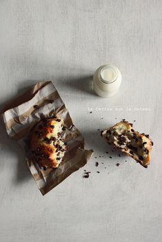 ... petits pains au lait aux pepites de chocolat ...