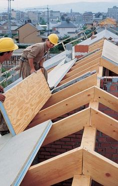 20 roof types for your great home - complete with advantages and disadvantages - V . - 20 roof types for your great home – complete with the advantages and disadvantages – Vernon Can - House In The Woods, My House, Roof Design, House Design, Sips Panels, Roof Trusses, A Frame House, Building A Shed, Building Homes