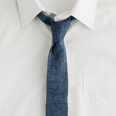 Did you know that ties come in different colors? I didn't. Doesn't stop me from posting them left and right, though.