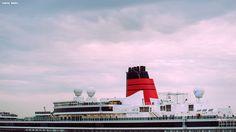 Hoy recibimos la visita del #QueenVictoria. Sus más de 2.000 pasajeros disfrutaron de un día amable en nuestra ciudad. Buen viaje hasta su próximo destino =)   #visitacoruña #ACoruña #cruceros #cruceristas #Galicia #mar