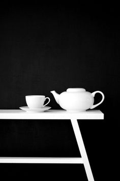 BLACK ★  WHITE ★  TEA
